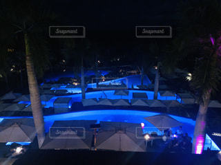 マウイのホテルの夜の写真・画像素材[2446490]
