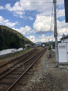 片田舎の線路の写真・画像素材[2443237]