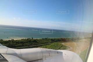 飛行機からの海の写真・画像素材[3557866]