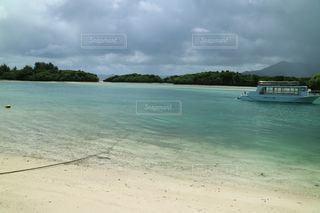 イスラ・コントイを背景に大きな水域の写真・画像素材[3557878]