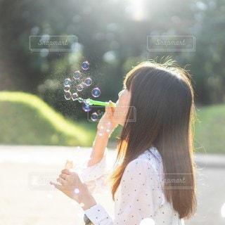 ふんわり少女の写真・画像素材[2461322]