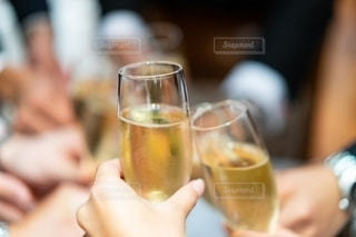 友だち,5人以上,結婚式,人,グラス,お祝い,乾杯,ドリンク,シャンパン,アルコール,乾杯ドリンク