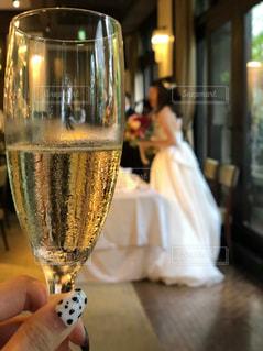 女性,結婚式,ドレス,グラス,乾杯,ドリンク,フォトジェニック,イベント・行事