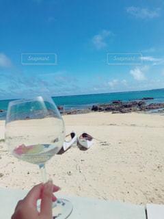 海,青空,砂浜,海岸,沖縄,グラス,お祝い,乾杯,ドリンク,シャンパン,おめでとう