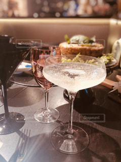 ディナー,グラス,幸せ,泡,乾杯,ドリンク,女子会,シャンパン,パーティー