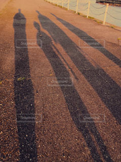 家族,夏,夕暮れ,影,女の子,浴衣,フィルム,母,男の子,父,フィルム風,のびる影