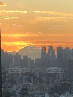 空,夕日,富士山,太陽,夕暮れ,光,都会,高層ビル,サンセット