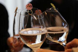 家族,ファミリー,屋内,ガラス,ワイン,ボトル,グラス,ビール,カクテル,乾杯,ドリンク,ワイングラス