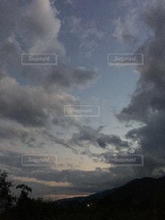 秋の夕暮れの写真・画像素材[2476069]