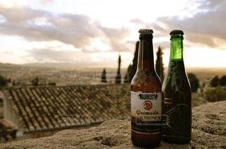 屋外,海外,旅行,旅,グラス,ビール,スペイン,乾杯,野外,ドリンク,のんびり,海外旅行,アルコール,瓶ビール,旅先,カンパイ,グラナダ