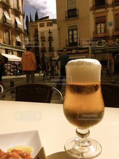 街並み,海外,テラス,ガラス,テーブル,外国,旅行,グラス,ビール,泡,スペイン,乾杯,ドリンク,海外旅行,テラス席,生ビール,グラナダ