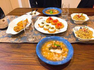 ディナー,屋内,テーブル,皿,グラス,料理,クッキング,乾杯,手作り,ドリンク,手料理,クリスマスディナー