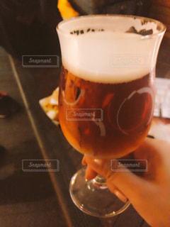 食べ物,飲み物,コーヒー,屋内,ジュース,オレンジ,ガラス,テーブル,人物,イベント,食器,ワイン,グラス,ビール,カップ,カクテル,乾杯,飲み会,ドリンク,パーティー,アルコール,クラフトビール,手元,飲料,オクトーバーフェスト,ソフトド リンク