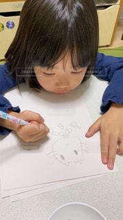 女の子,ペン,幼児,紙,おえかき,らくがき,おうち時間