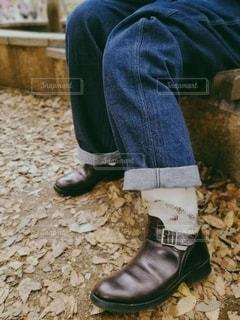 ツートーンカラーのブーツの写真・画像素材[2704076]