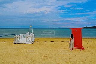 海の隣の砂浜の写真・画像素材[4596578]