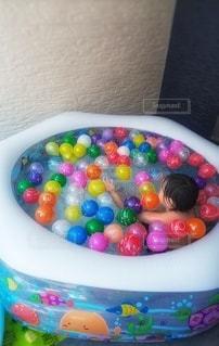 ヨーヨーいっぱいのプールの写真・画像素材[3563956]