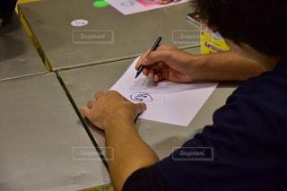 テーブル,ペン,ノート,書類,紙,似顔絵,スケッチブック,データ