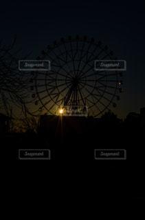 空,公園,太陽,晴れ,観覧車,光,朝,快晴,初日の出,景観