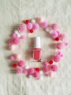 ピンク,赤,カラフル,鮮やか,布,可愛い,装飾,パステル,美容,俯瞰,コスメ,化粧品,マニキュア,ボンボン