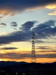 鉄塔と夕焼けの写真・画像素材[3402716]