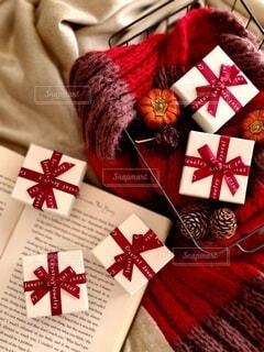 クリスマスをイメージしたギフトの写真・画像素材[3923124]
