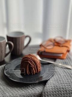 食べ物,カフェ,屋内,デザート,リラックス,マグカップ,食器,おうちカフェ,ドリンク,おうち,菓子,ライフスタイル,スナック,コーヒー カップ,おうち時間