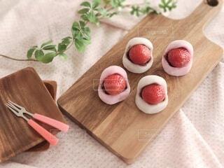 大好きなイチゴ大福の写真・画像素材[4539046]