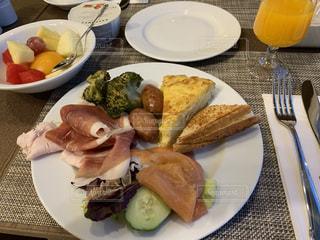 ホテルの朝食の写真・画像素材[2484271]