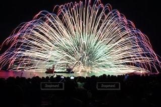 熊野大花火大会のクライマックスの写真・画像素材[2646093]