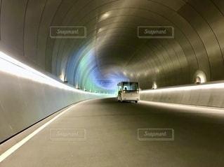 時空を超えるトンネルの写真・画像素材[2646095]