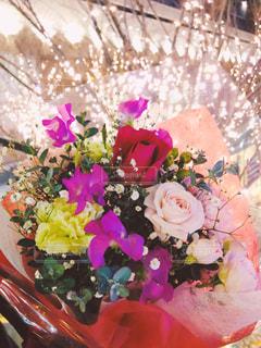 花,かすみ草,花束,バラ,花びら,鮮やか,プレゼント,イルミネーション,ロマンチック,カーネーション,カラー,プロポーズ,告白,アンバサダー,グランフロント大阪,スイトピー,シャンパンゴールド