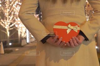 女性,恋人,1人,プレゼント,イルミネーション,ロマンチック,バレンタイン,待ち合わせ,告白,アンバサダー,グランフロント大阪,シャンパンゴールド