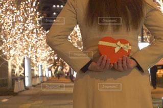 女性,恋人,1人,風景,屋外,プレゼント,イルミネーション,ハート,人,ロマンチック,バレンタイン,告白,アンバサダー,グランフロント大阪,シャンパンゴールド