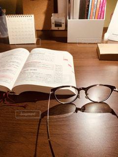 木製のテーブルの上にての写真・画像素材[2767456]