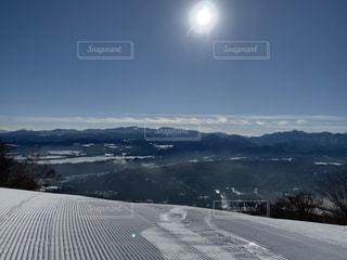 自然,風景,空,冬,雪,屋外,太陽,晴天,雪山,山,光,樹木,スキー,ゲレンデ,スノーボード,斜面,日中,ウィンターシーズン