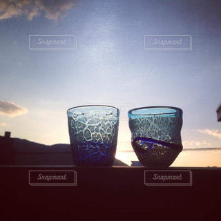 空,太陽,雲,夕焼け,ガラス,光,グラス,日本,乾杯,ドリンク,色 芸術
