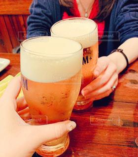 屋内,楽しい,テーブル,人,グラス,ビール,乾杯,飲み会,ドリンク,女子会,酒,最高,仕事終わり
