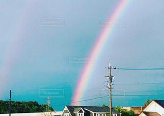 天に昇る七色の虹 🌈の写真・画像素材[2657045]