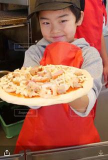 初めてのピザ作り ワクワク止まらないの写真・画像素材[2712591]