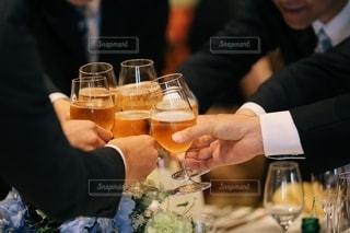 飲み物,夏,お酒,手,結婚式,人物,結婚,グラス,ビール,お祝い,乾杯,ドリンク,シャンパン,パーティー,友達,炭酸,アルコール,ウェルカム