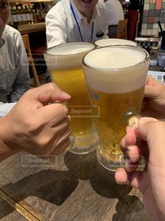 男性,グラス,ビール,乾杯,サラリーマン,ドリンク,ビールジョッキ