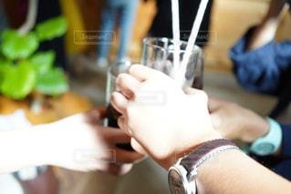 パーティ,食事,グラス,乾杯,ドリンク,宴会,食事会,カンパイ