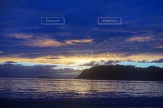 自然,風景,空,屋外,湖,太陽,ビーチ,雲,ボート,夕暮れ,水面,山,クラウド