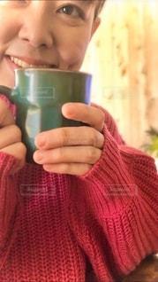 コーヒーを飲む女性の写真・画像素材[2680612]