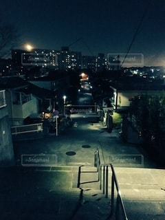 夜の街通りの写真・画像素材[2740244]