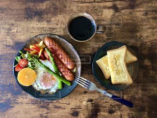 食べ物の皿の写真・画像素材[3214694]