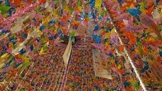 七夕飾り 折り鶴の写真・画像素材[2503309]