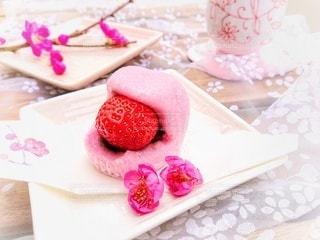 梅の花でより可愛く美味しそうに…。の写真・画像素材[3014443]