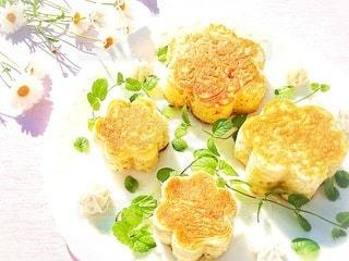 花型のホットケーキの写真・画像素材[3175810]
